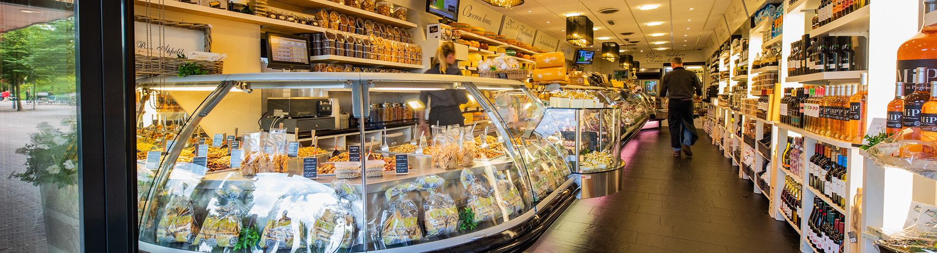 Kaas, vleeswaren, noten, wijnen, delicatessen